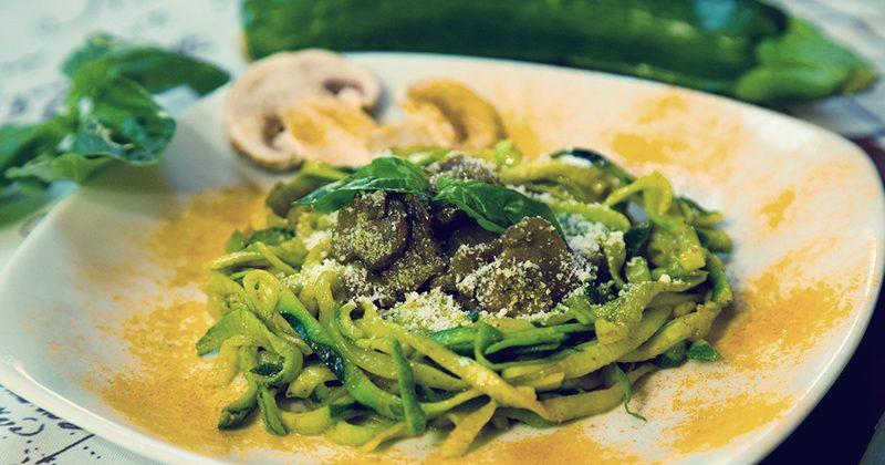 Spaghetti-di-zucchine-e-funghi