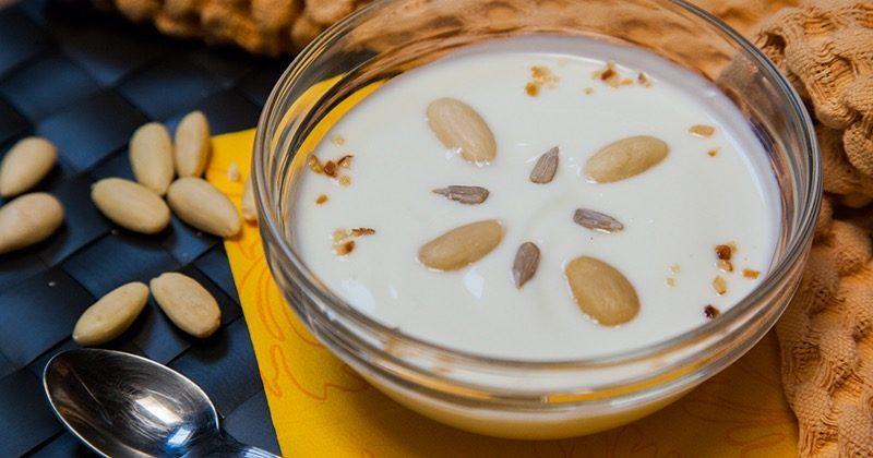 yogurt di mandorle