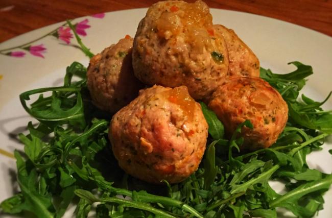 Colazione proteica, polpette di pollo primavera