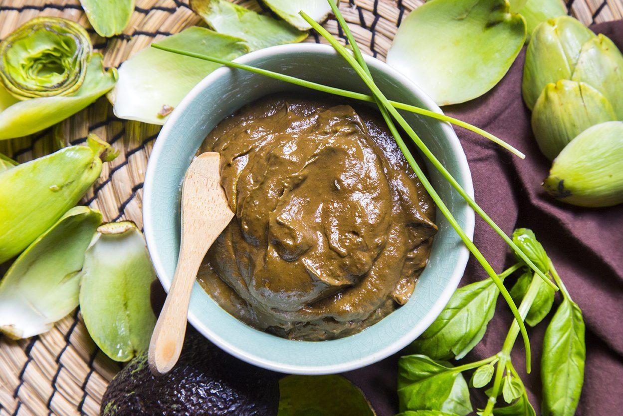 Crema di avocado e carciofi al profumo di basilico