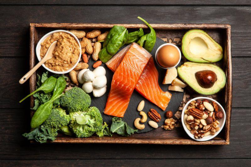 Dieta chetogenica e grassi saturi
