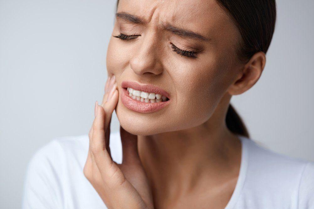 Dieta fruttariana, danni ai denti