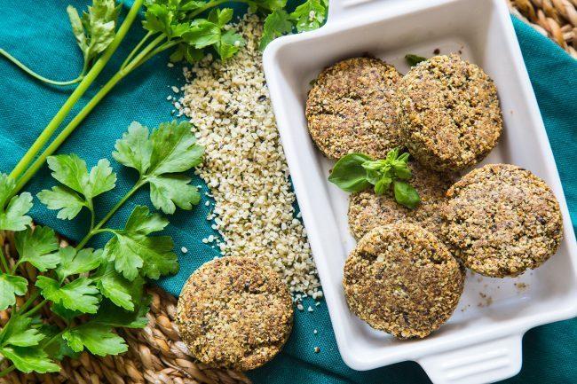 Secondo vegetariano, nuggets ai semi di canapa