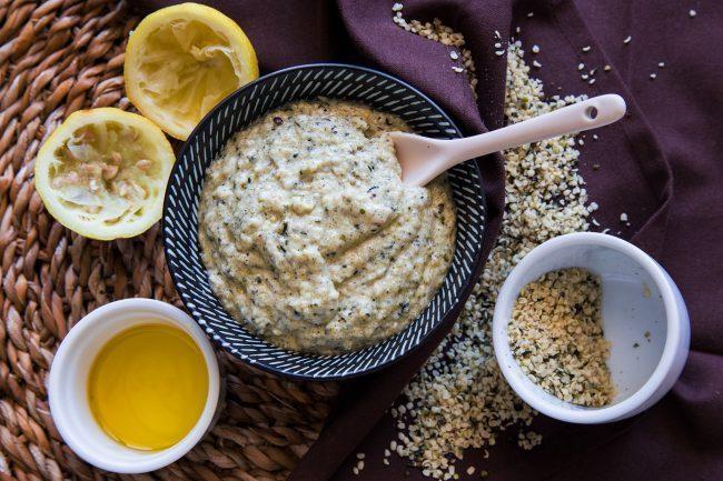 Salsa cremosa alla canapa e limone