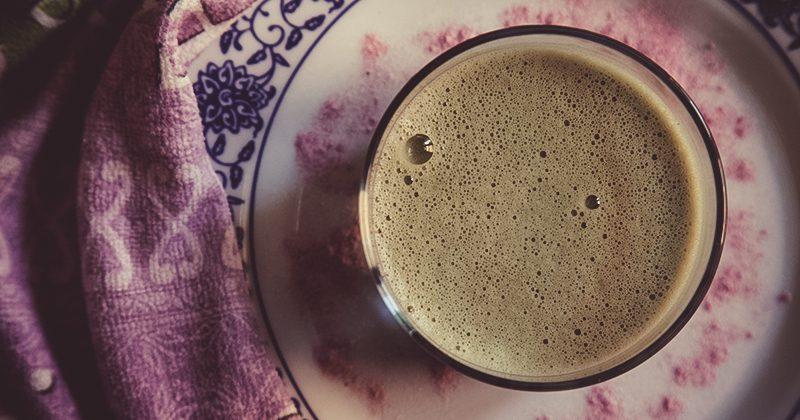 Ricette con proteine il polvere, smart cappuccino con Chlorella e Açai