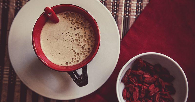 Smart cappuccino con bacche di goji
