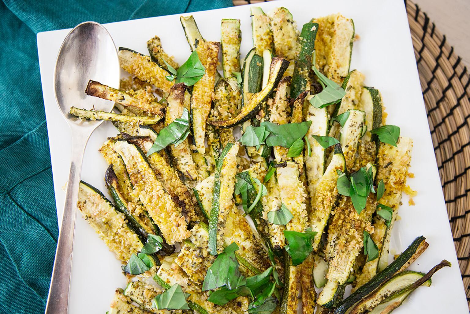 Colazione salata proteica, chips di zucchine