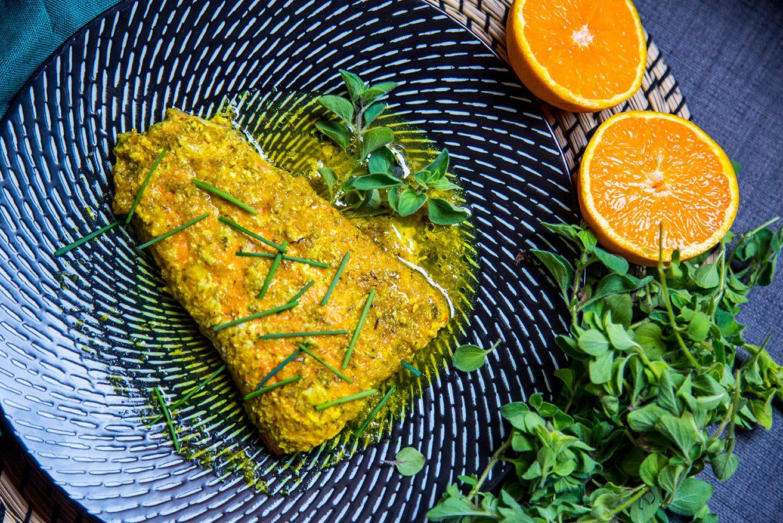 Filetti di salmone selvaggio in salsa all'arancio