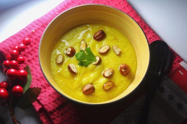 Ricette di verdure, crema al sedano rapa e porri