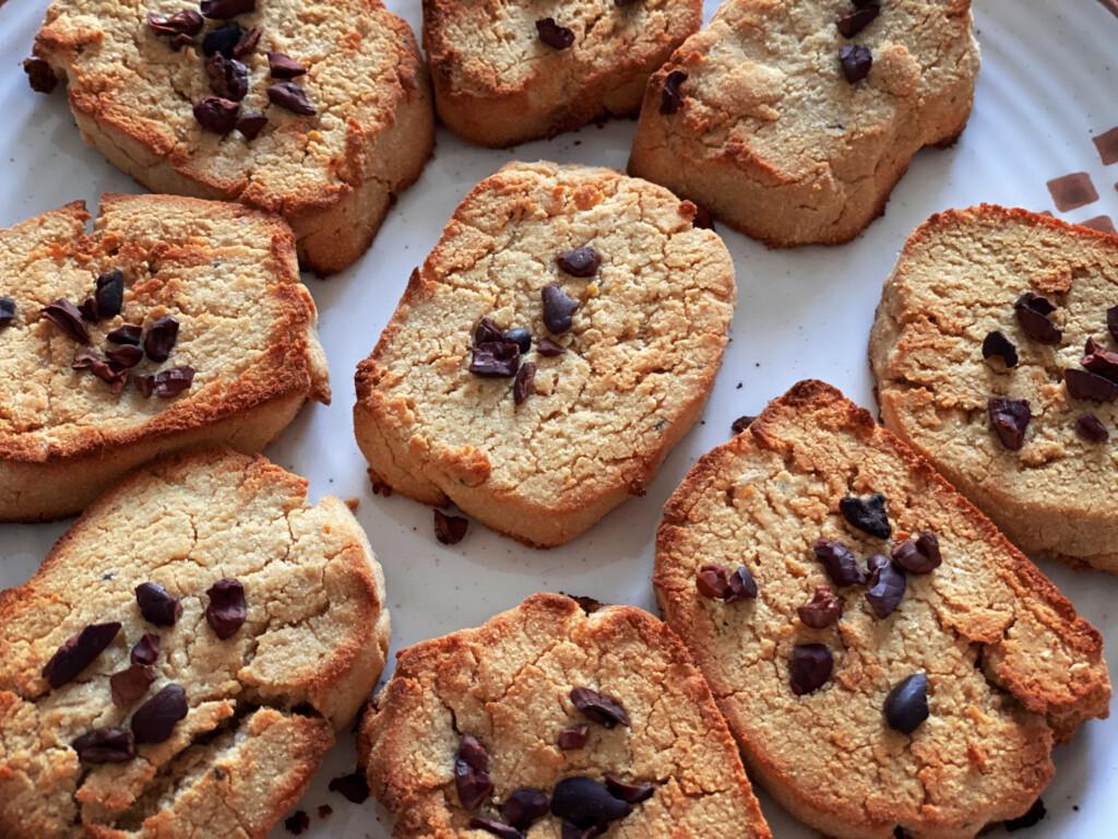 Farine alternative, biscotti con pepite di cacao