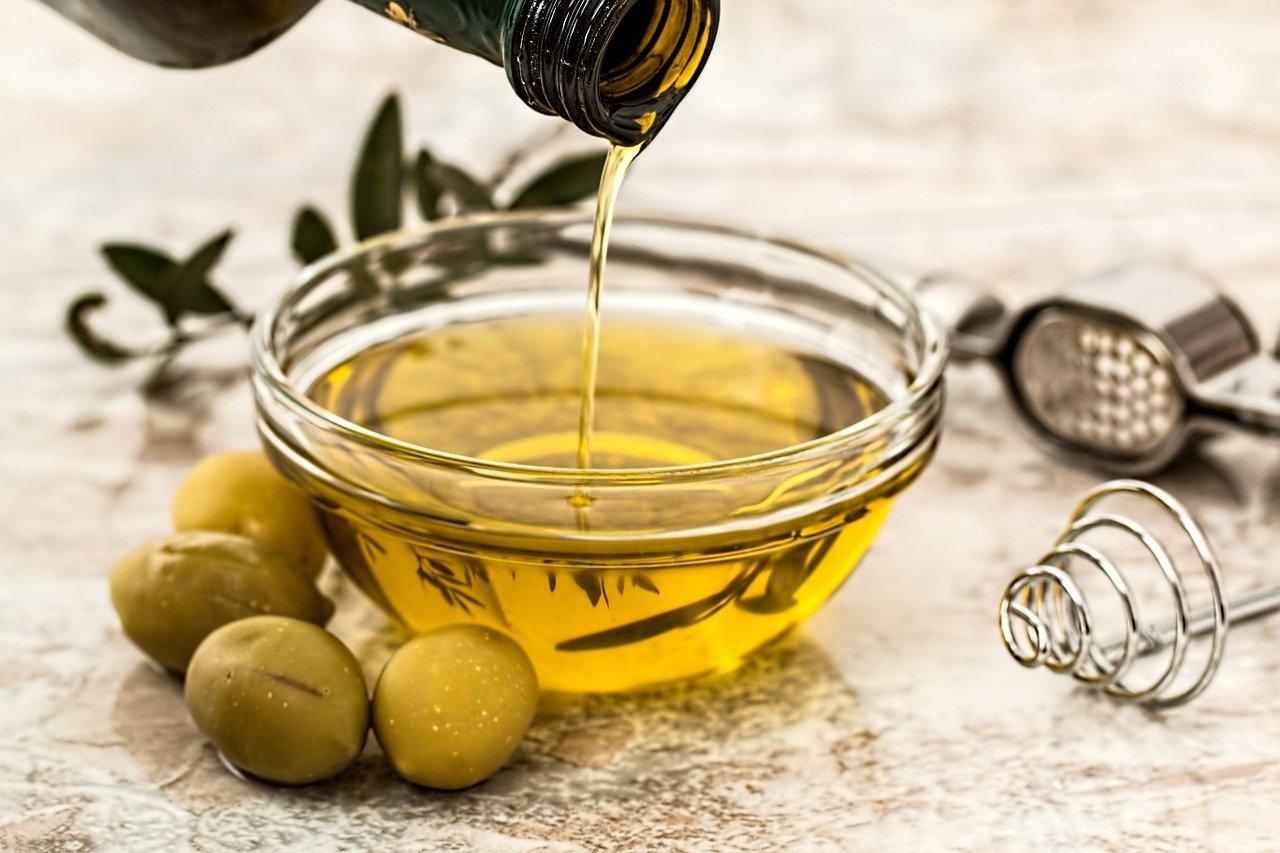 Grassi sani olio extravergine d'oliva